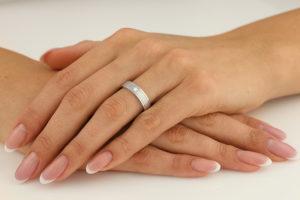 Avantajele-bijuteriilor-din-aur-alb