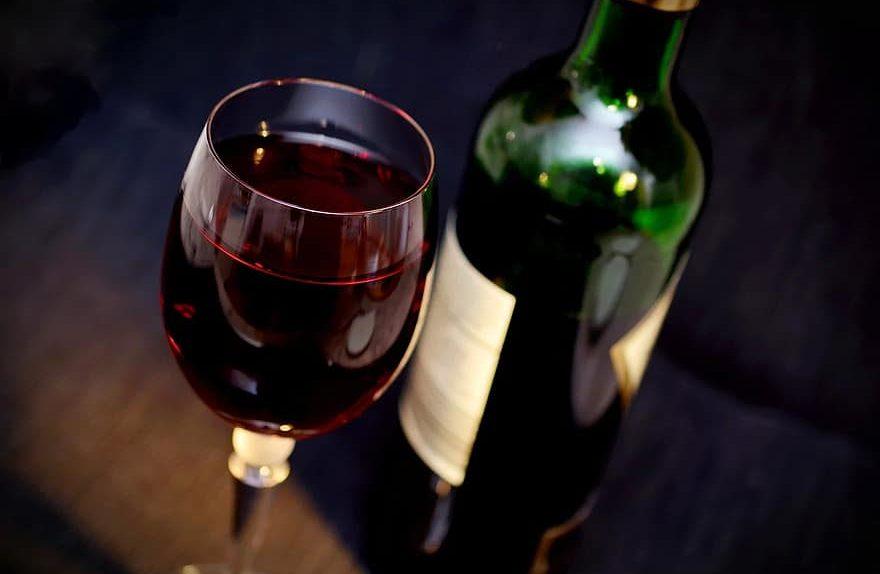 Care-sunt-beneficiile-vinului-rosu